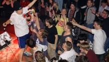 Megaton fashion show: Líbající se Hentai a bomby po celém Lucerna Music baru!