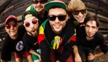 Smola a Hrušky Vás pozýva na Best On tour a predstavuje dokument Tourbus Daemon