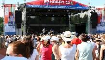 Hudební festival Hrady CZ se přesouvá do blízkosti malebného hradu Rožmberk nad Vltavou!
