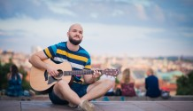 Písničkář Pokáč vyprodává koncerty a dokončuje desku!