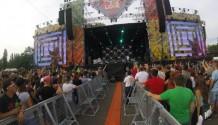Fatboy Slim na Beats for Love za doprovodu blesků a deště!