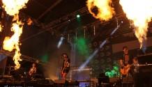 Fotoreport: Na první zastávce festivalu Hrady.cz předvedla největší show kapela Rybičky 48!