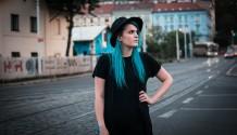 Eliška Buociková vydává nový singl Tajný noci!