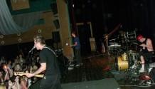 KC Novodvorská zažila tři punkrockové kapely (fotoreport)