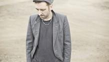 Britský písničkář Fink zavítá premiérově do Prahy!