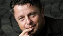 Zemřel český zpěvák Petr Muk (4.2.1965 – 24.5.2010)