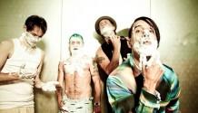 Red Hot Chili Peppers zdraví české fanoušky!