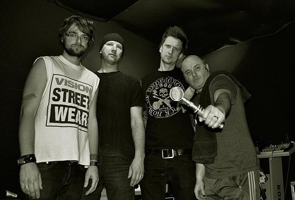SLAVES OF STADIUM ROCK a jejich debutové album!
