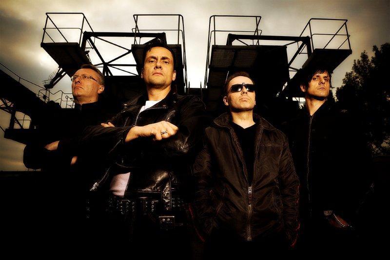 Kultovní německá formace DIE KRUPPS vystoupí v Praze!