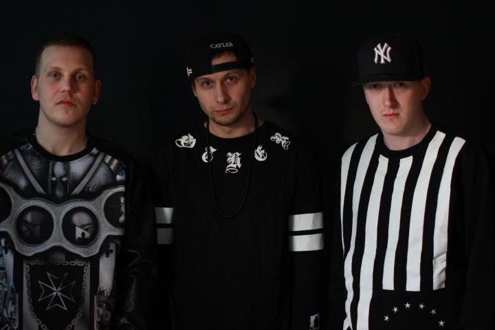 MAAT a jejich singl POD HLADINOU v refrénu s Benem Cristovao
