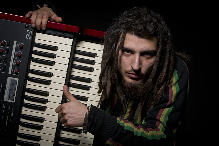 SuperStár reggae rebel Michal ŠEPS přichází s novým singlem Kréta.