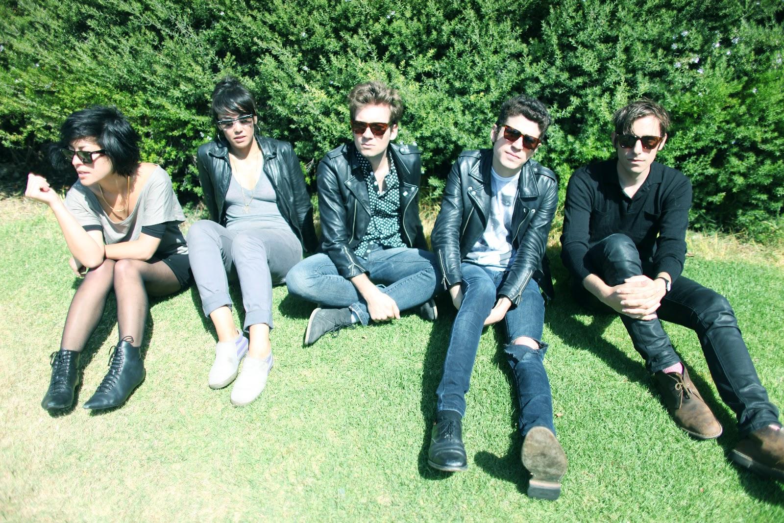 Lo-fi punkeři Crocodiles představí v MeetFactory novou desku