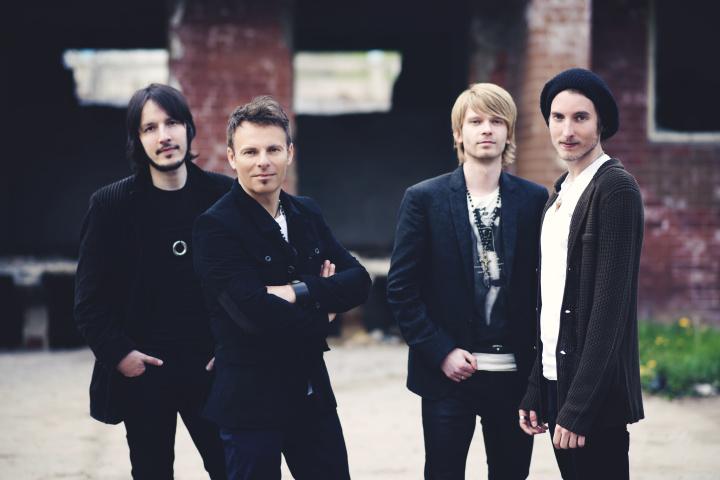 Nesmíš to vzdát, vyzývá skupina FROM v novém singlu V SÍTI!