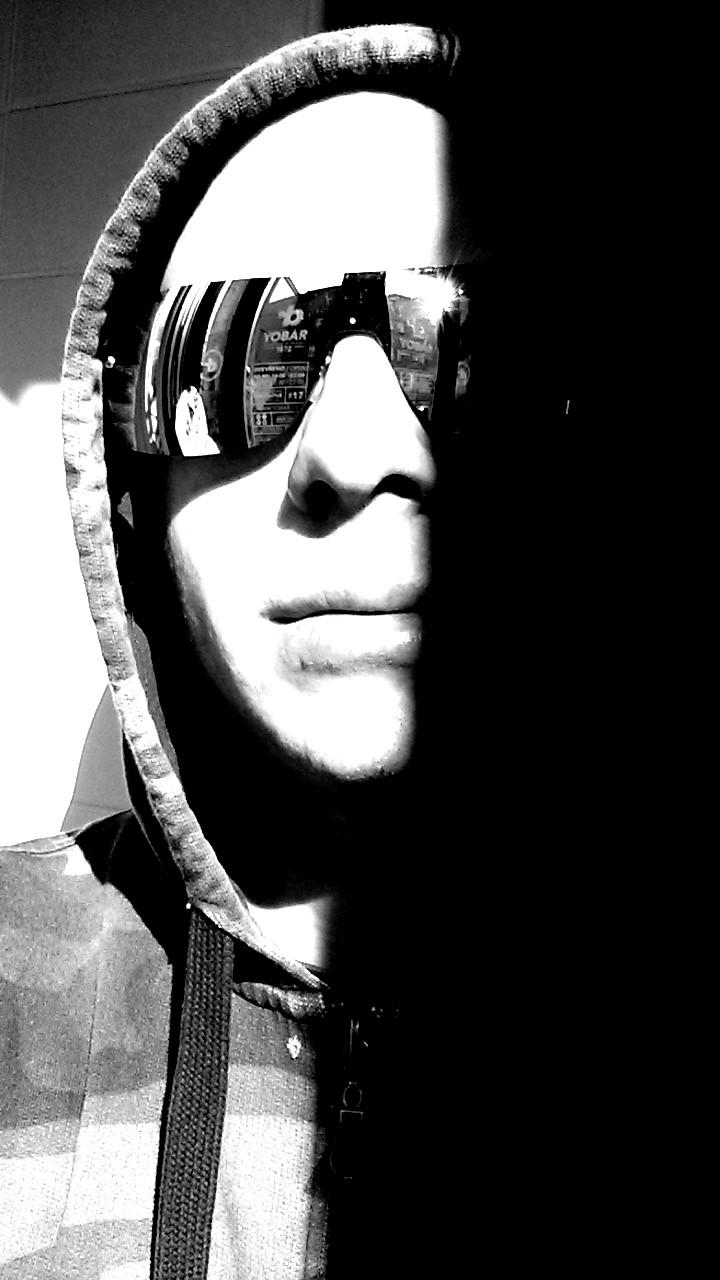 Bubeník Jan Fröhlich připravuje nové drum-cover videa!