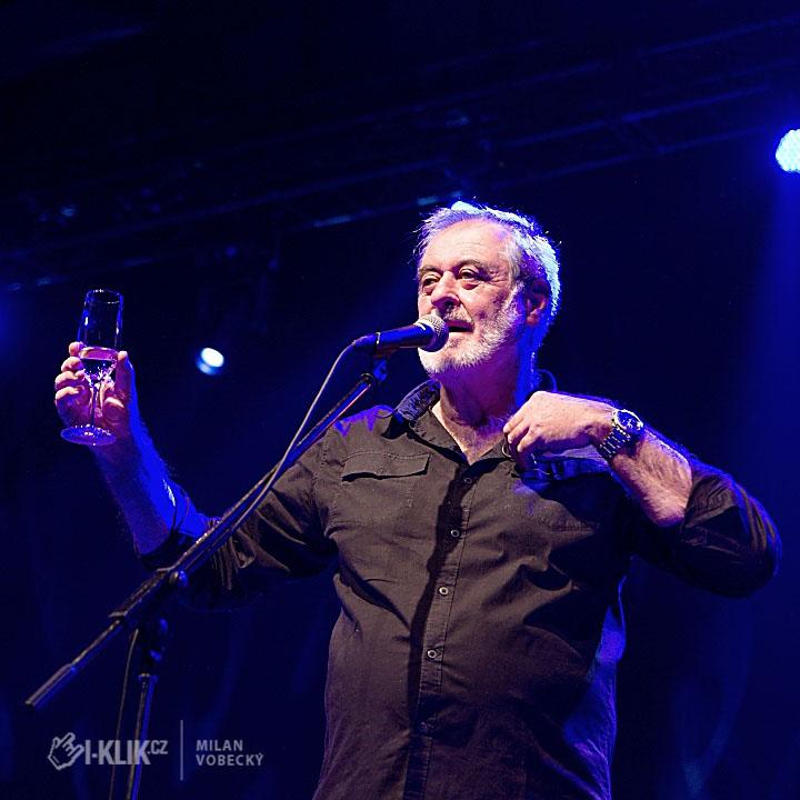 Michal Prokop odehrál tradiční vánoční koncert ve Foru Karlín