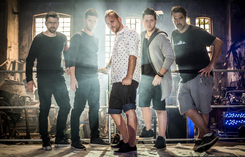 ROZHOVOR: Cocotte Minute vyráží na turné společně s Pio Squad!