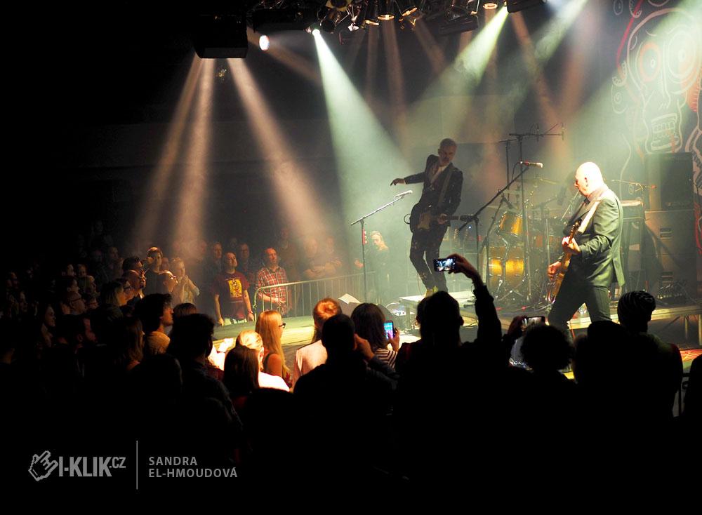 Belgická kapela Triggerfinger rozpohybovala Lucernu na Sv. Martina