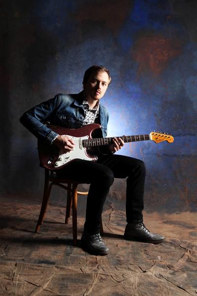 Mistr kytary, výherce Austrálie má talent, Joe Robinson připravuje sérii koncertů i workshop