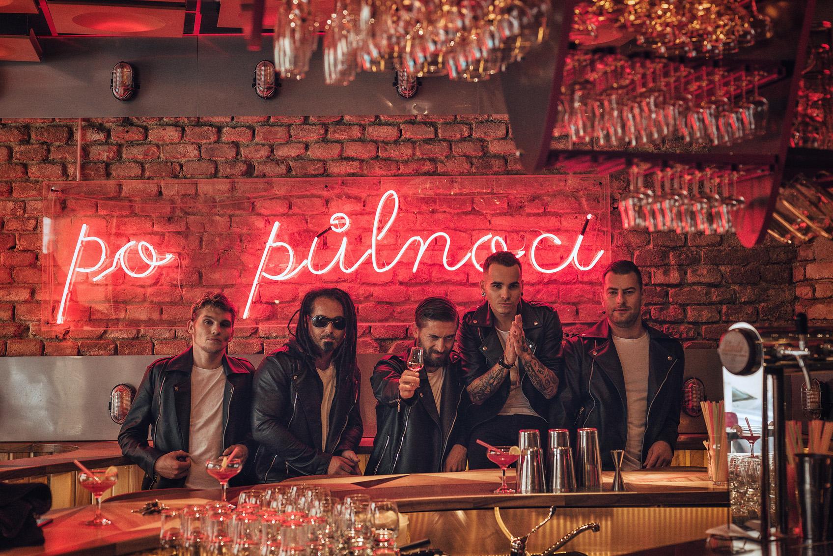Kapela Mandrage vydává nové album Po půlnoci a vyráží na turné!
