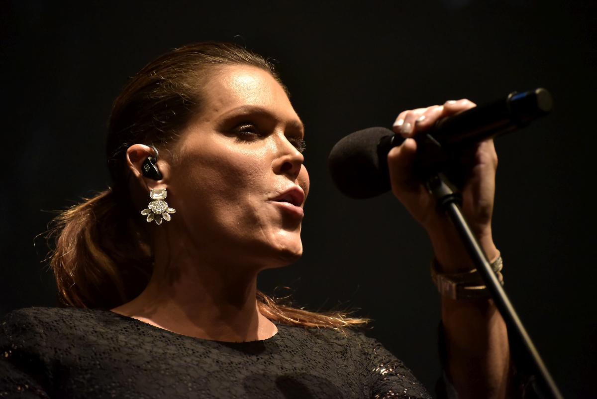 Americká bluesrocková hvězda Beth Hart za necelé dva týdny koncertuje v Praze a vydává nové album!