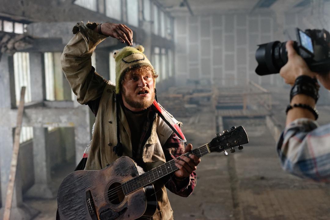 """""""Bída s nouzí"""" v novém videoklipu skupiny Wohnout"""