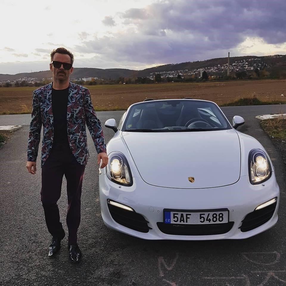 Martin Hrubý vydává další videoklip, tentokrát s názvem Železniční