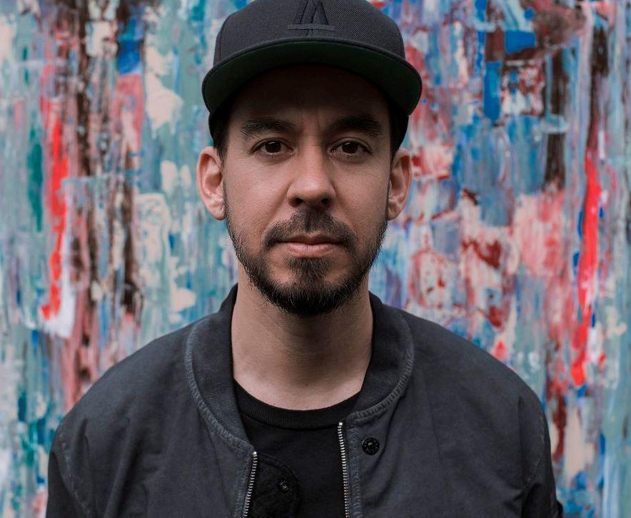 Mike Shinoda, ústřední postava ikonických Linkin Park, míří do Prahy