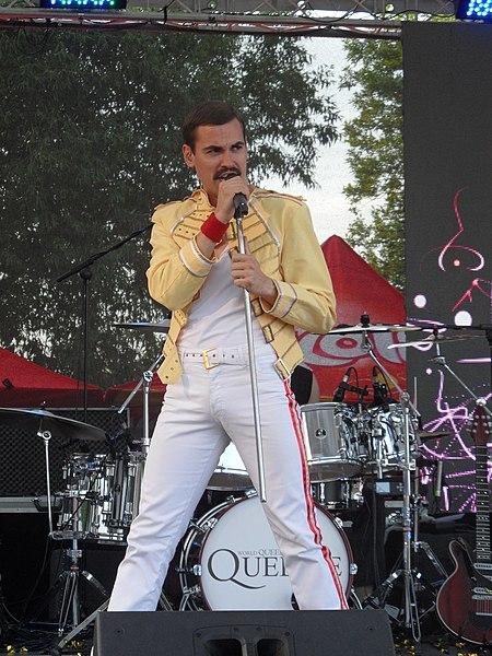 Správný čas pro revival legendárních Queen – QUEENIE!!!