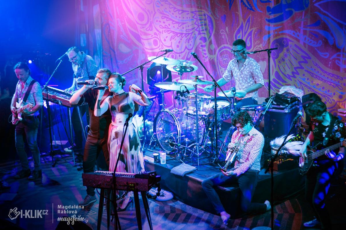 FOTO: Mig 21 rozezpívali i Eriku Stárkovou a uzavřeli tak Hurá! Tour třemi vyprodanými koncerty v Praze!