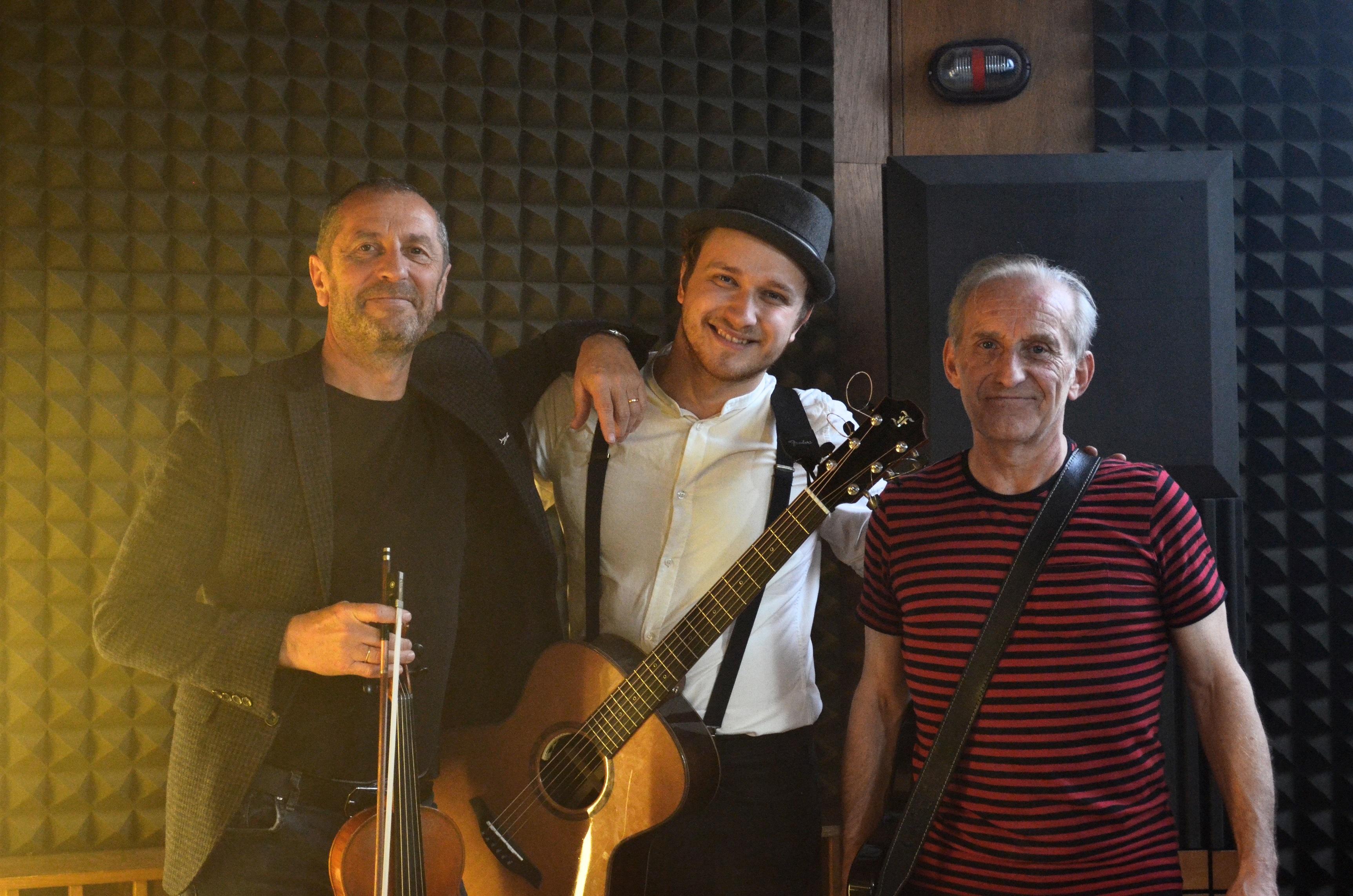 Čechomor se spojil s Voxelem. První společná píseň je na světě.