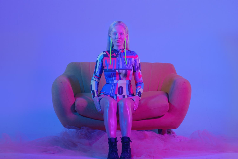 Giudi představuje futuristický klip k singlu Visions