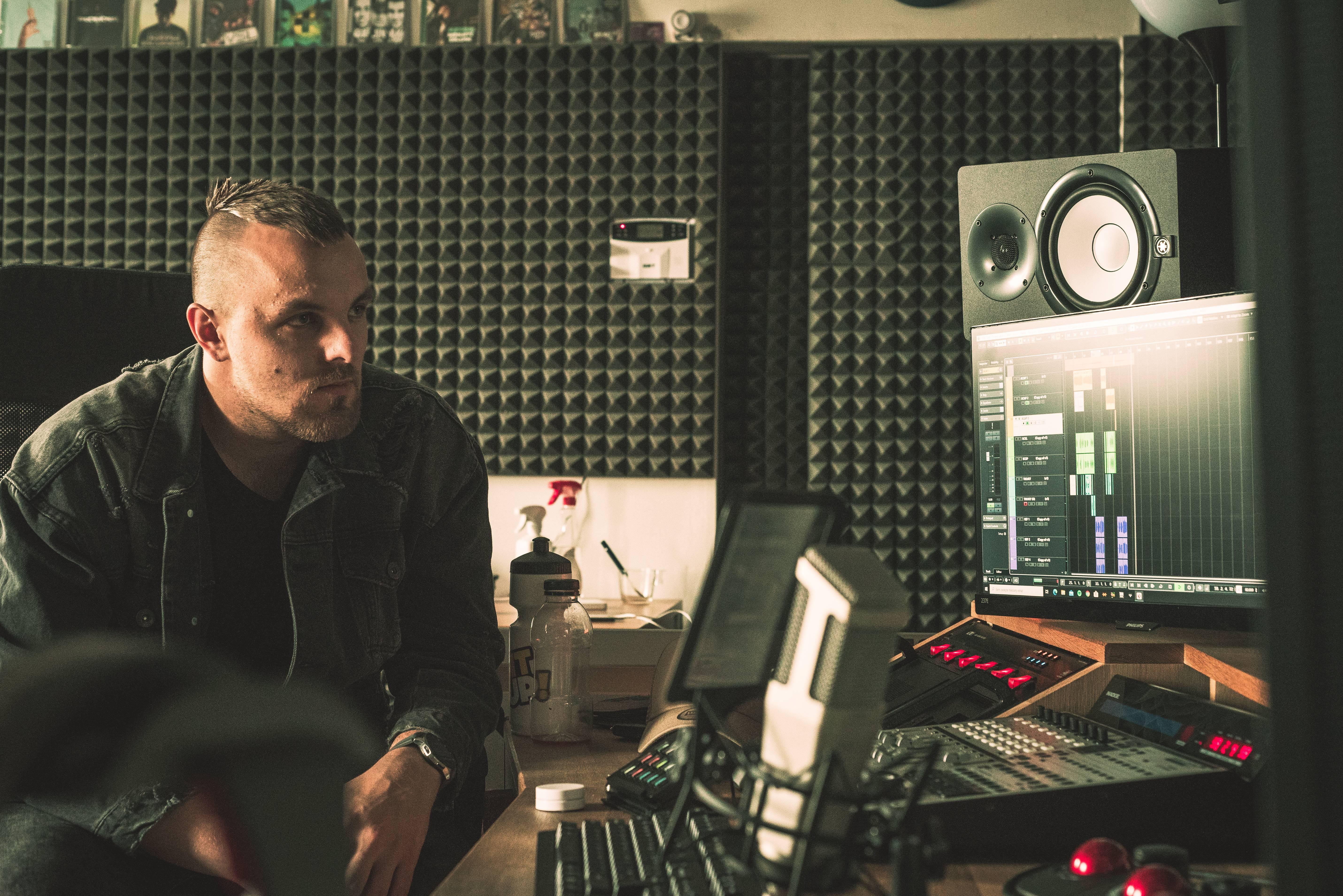 DeeThane vydává nové album RESPAWN za nalezené harmonie