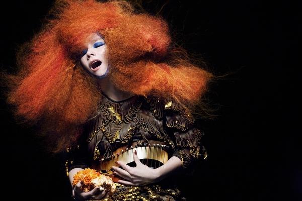 Björk ze zdravotních důvodů letos na Colours of Ostrava nevystoupí!