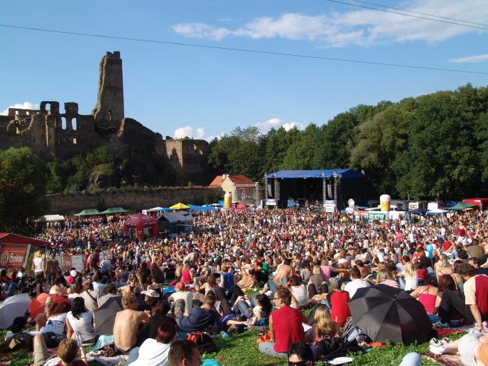 Festival Okoř po roční pauze již tento víkend!
