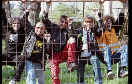PREZIDENT JE BUZNA!! aneb nový videoklip ke známému hitu punkové legendy VISACÍ ZÁMEK!